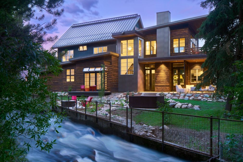 DESIGN BUILD – THE ONE-STOP-SHOP FOR BUILDING YOUR CUSTOM HOME
