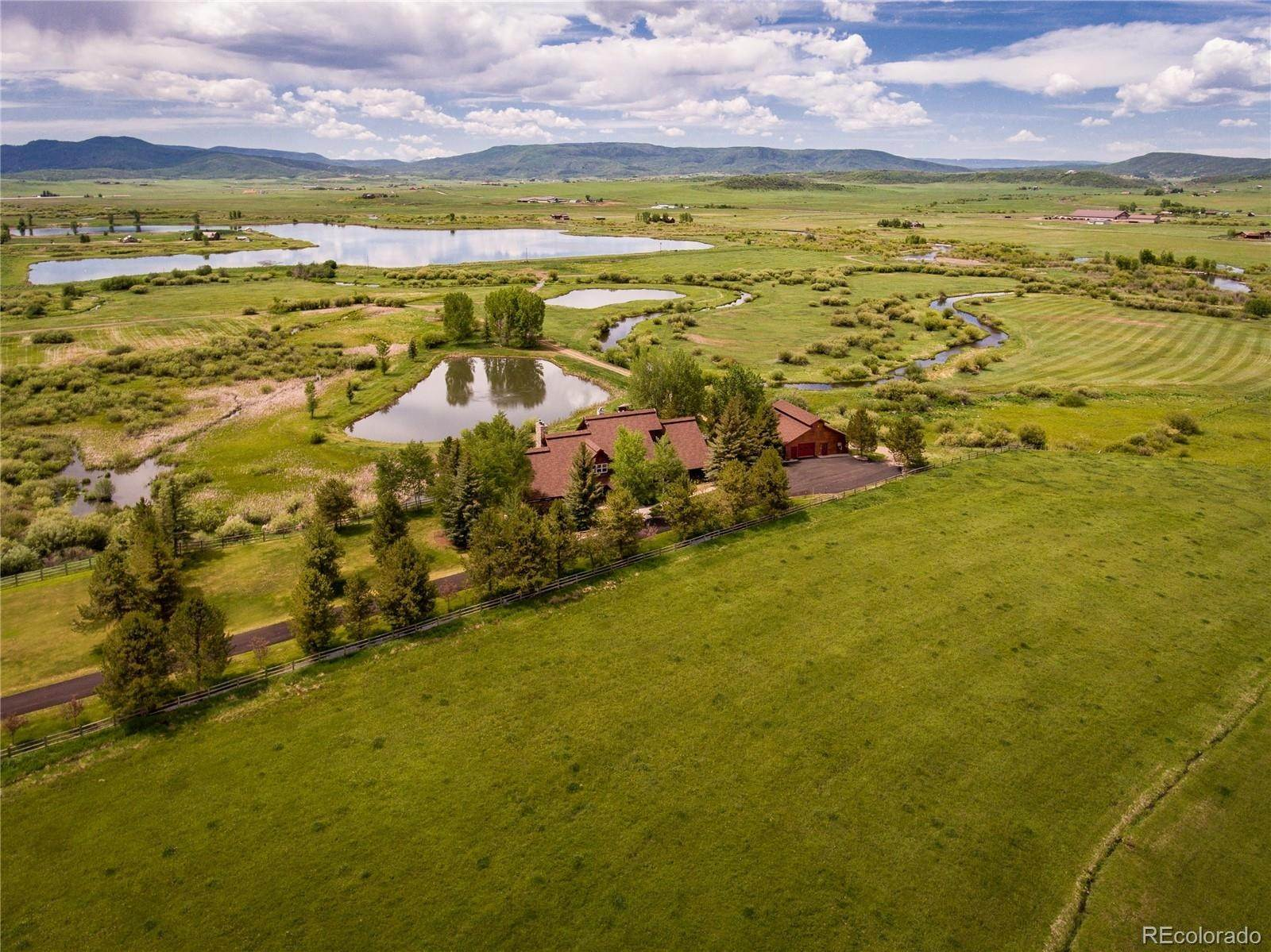 Single Family Homes por un Venta en 32735 State Highway 131 Steamboat Springs, Colorado 80487 Estados Unidos