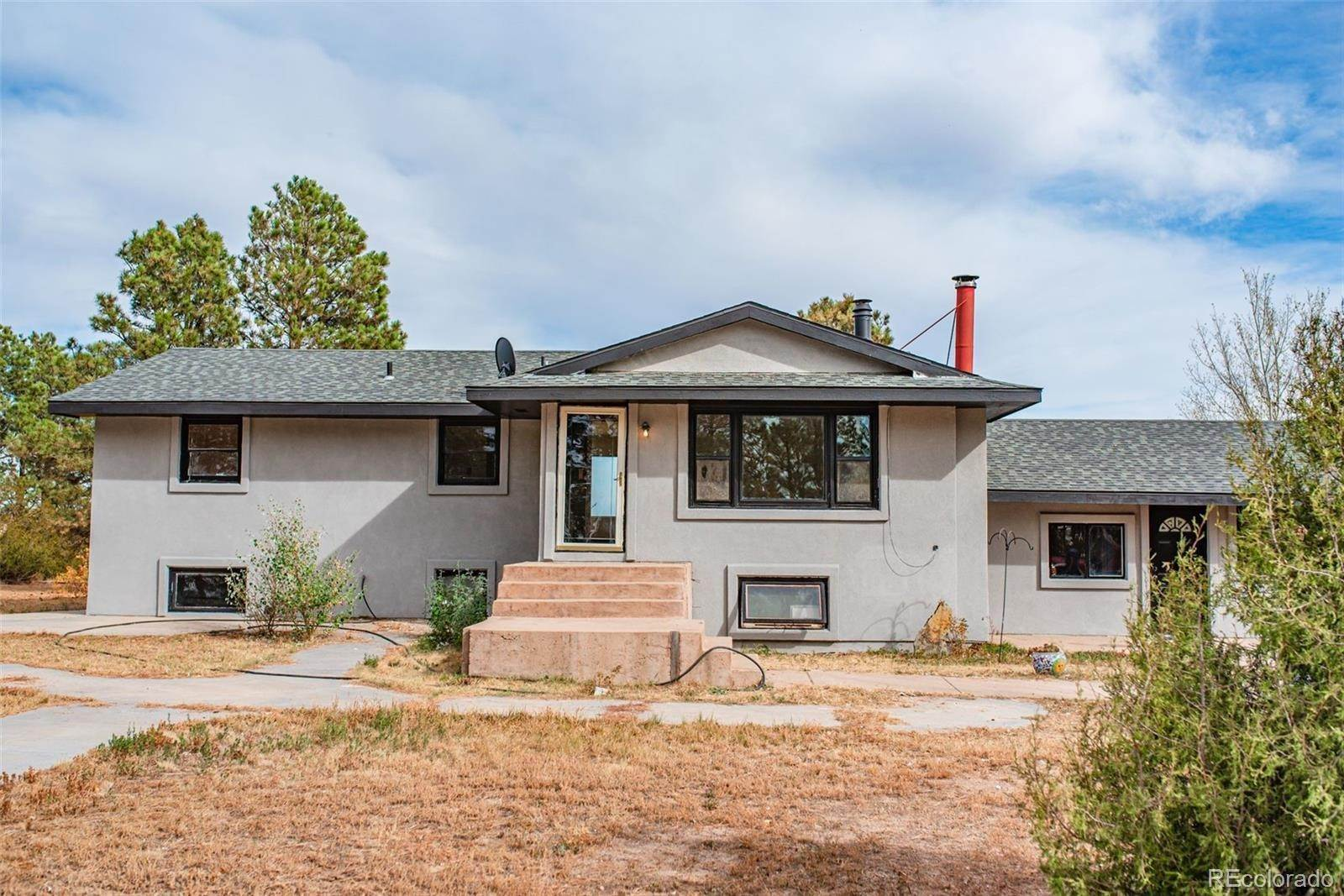 Single Family Homes pour l Vente à 27707 Mid Jones Road Calhan, Colorado 80808 États-Unis