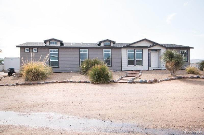 Single Family Homes pour l Vente à 22080 Farmer Road Calhan, Colorado 80808 États-Unis