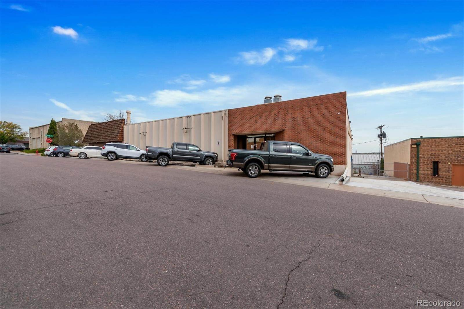 Single Family Homes pour l Vente à 2190 W Bates Avenue 1-2 Englewood, Colorado 80110 États-Unis