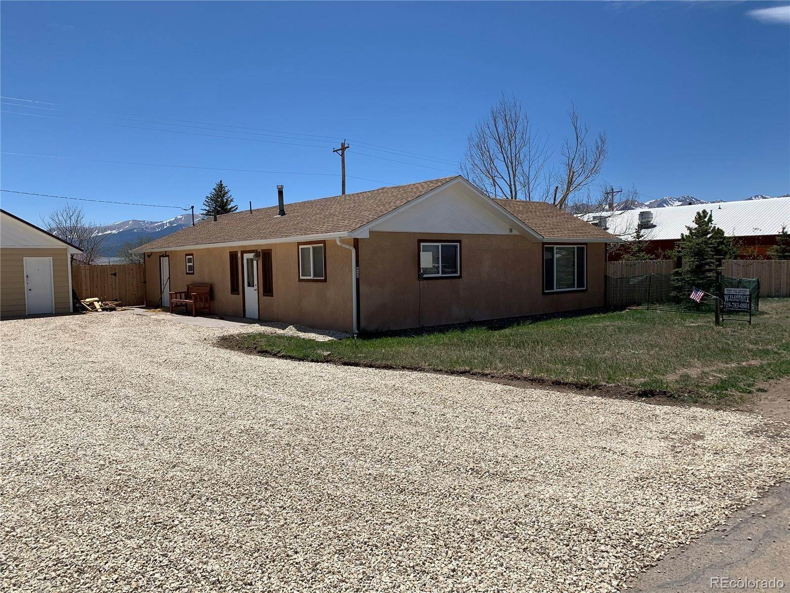 Single Family Homes pour l Vente à 426 E Main Street Silver Cliff, Colorado 81252 États-Unis