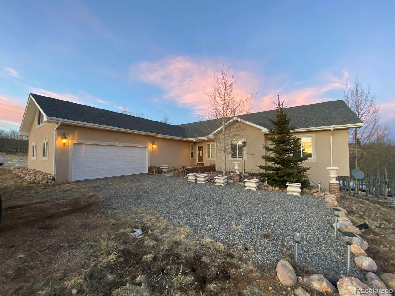 Single Family Homes pour l Vente à 64 Boreas Circle Jefferson, Colorado 80456 États-Unis