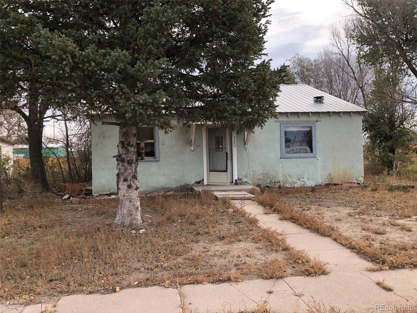 Single Family Homes for Sale at 214 Pine Street Arriba, Colorado 80804 United States