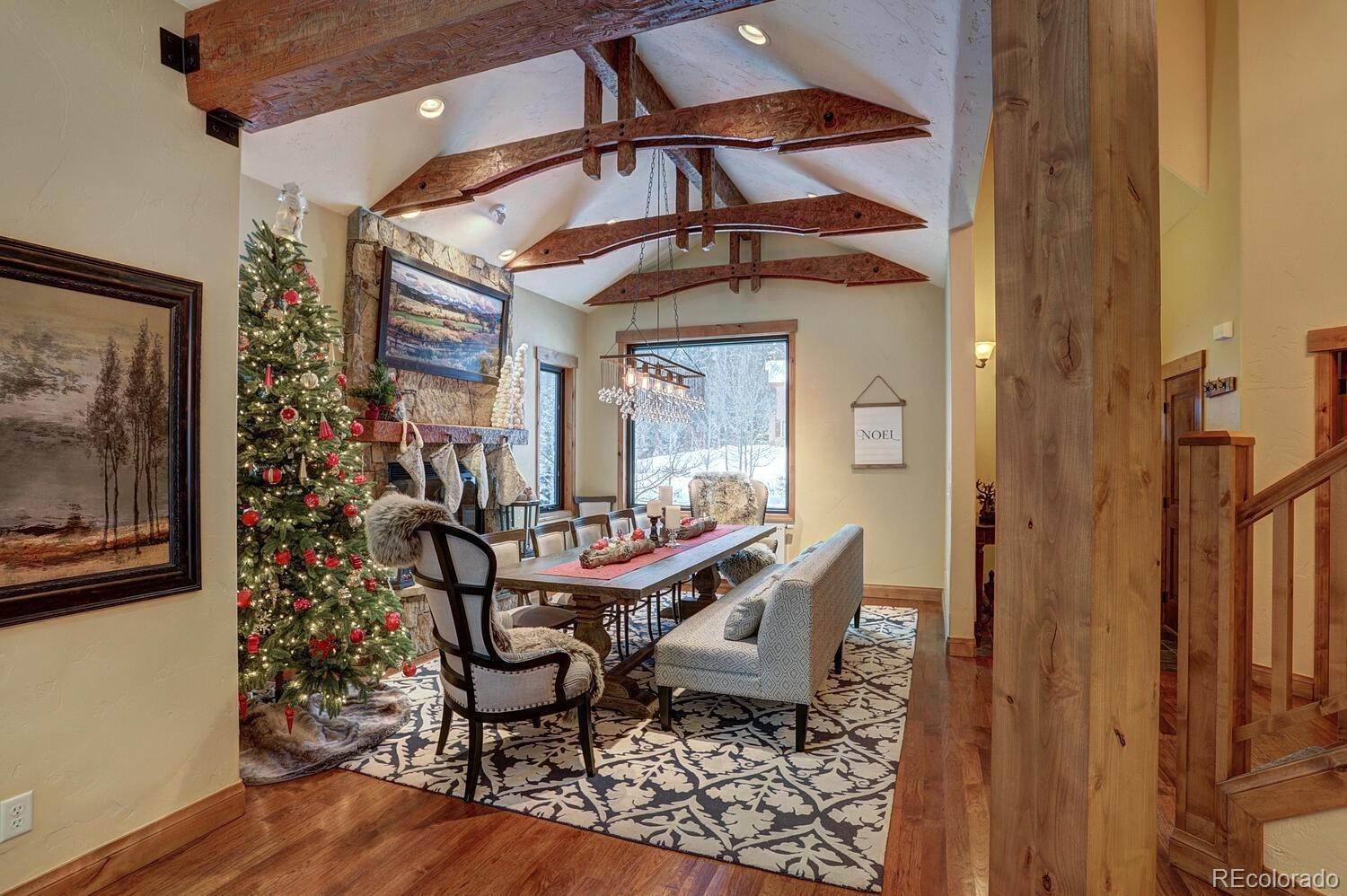 Single Family Homes pour l Vente à 310 Whispering Pines Circle Blue River, Colorado 80424 États-Unis