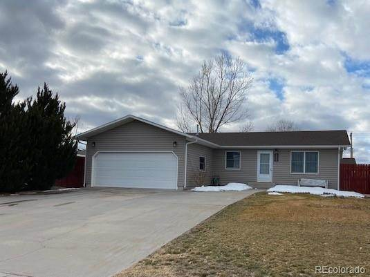 Single Family Homes pour l Vente à 1228 S Ash Street Yuma, Colorado 80759 États-Unis
