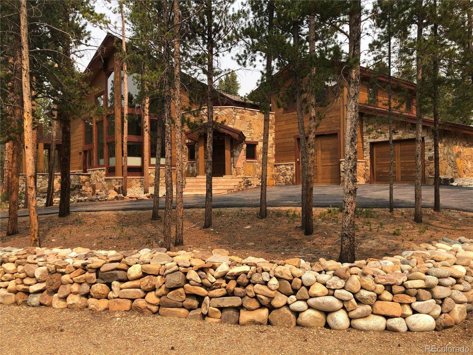Single Family Homes pour l Vente à 899 County Road 4 Leadville, Colorado 80461 États-Unis