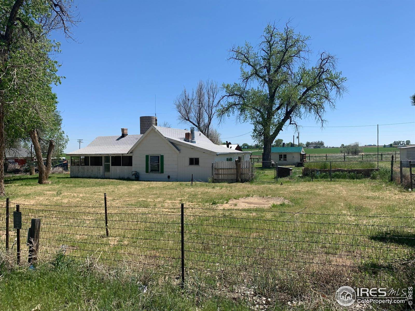 Single Family Homes 为 销售 在 10900 County Road 15 Firestone, 科罗拉多州 80504 美国