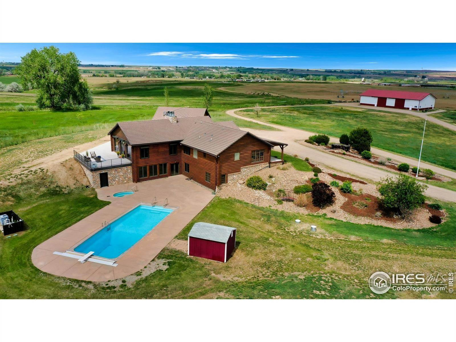 Single Family Homes pour l Vente à 8045 E County Road 16 Johnstown, Colorado 80534 États-Unis