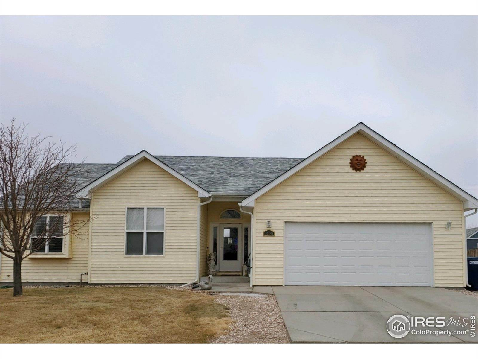 Single Family Homes pour l Vente à 14048 Cottonwood Circle Sterling, Colorado 80751 États-Unis