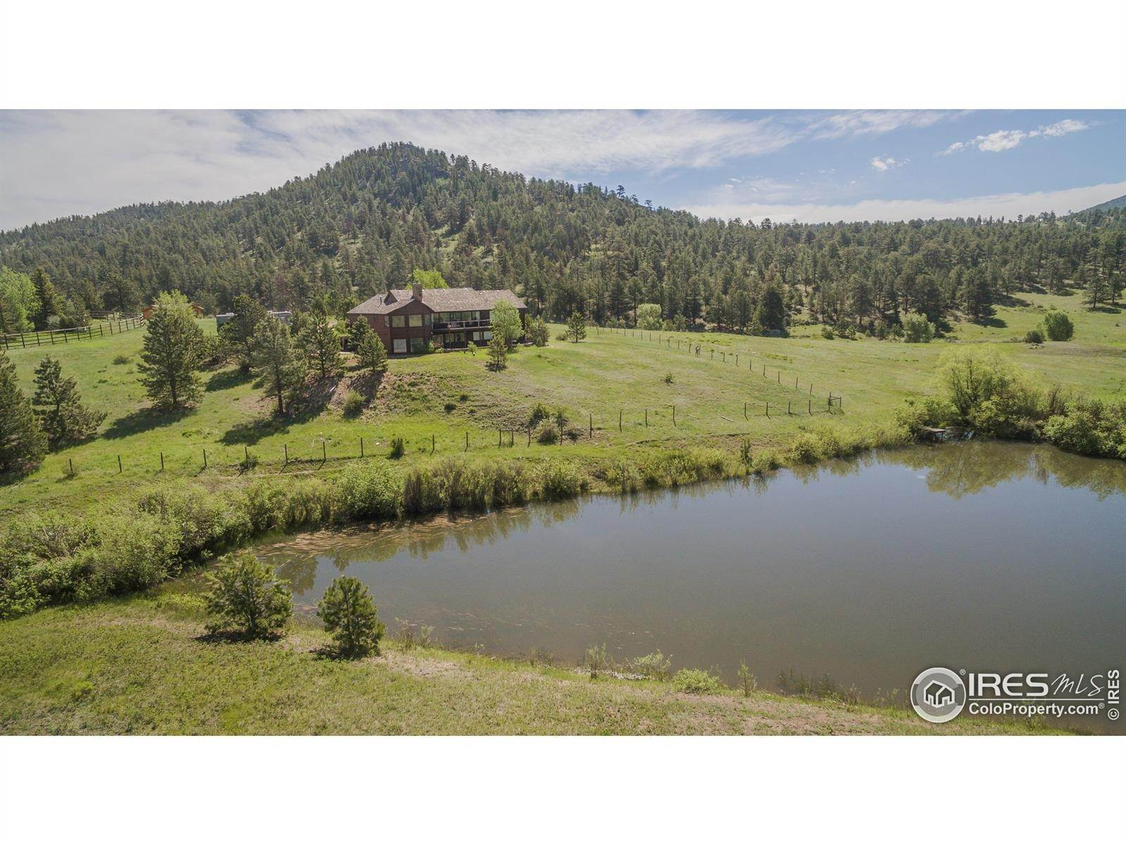 Single Family Homes por un Venta en 1593 Dry Gulch Road Estes Park, Colorado 80517 Estados Unidos