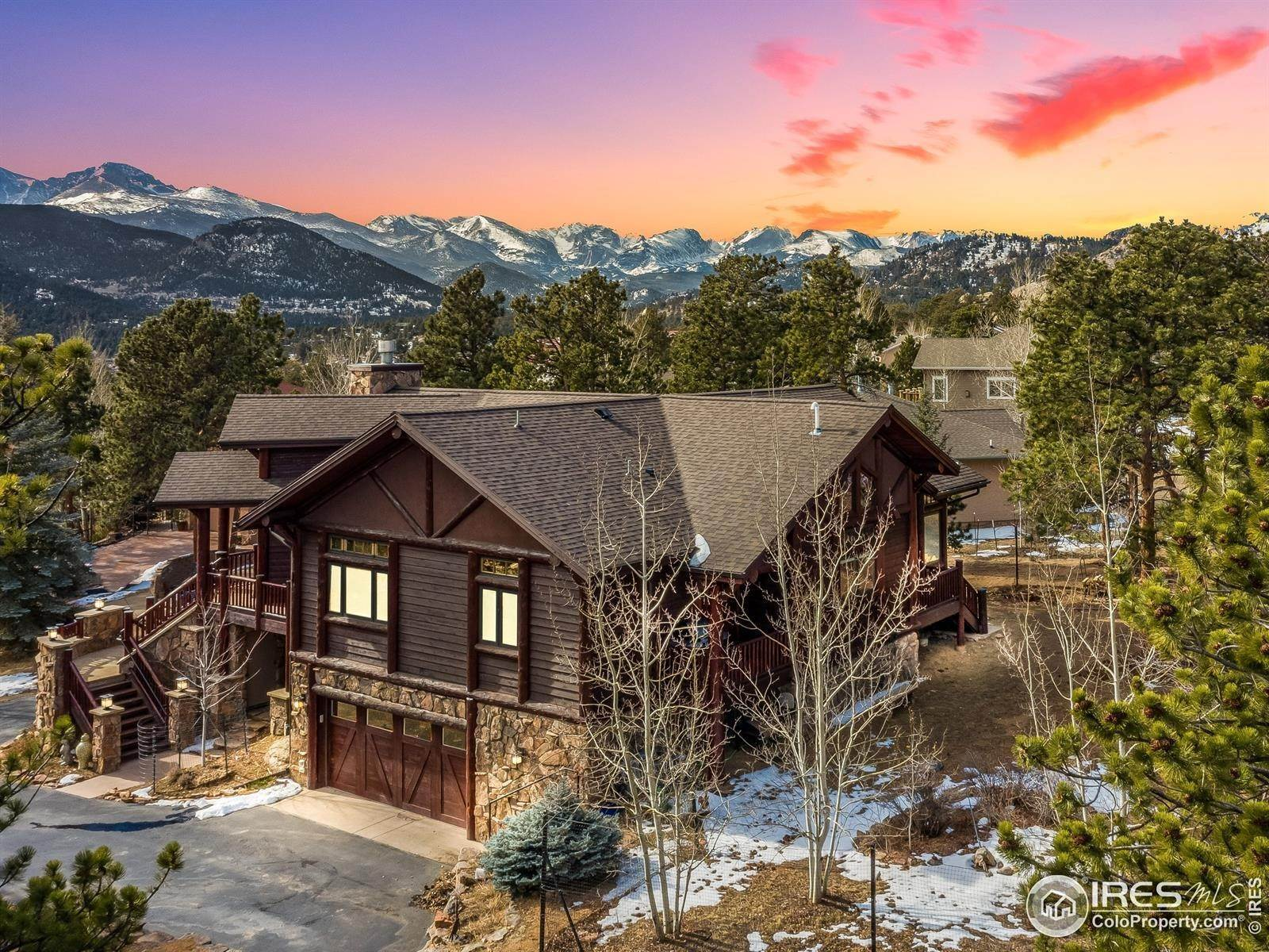 Single Family Homes por un Venta en 699 Findley Court Estes Park, Colorado 80517 Estados Unidos