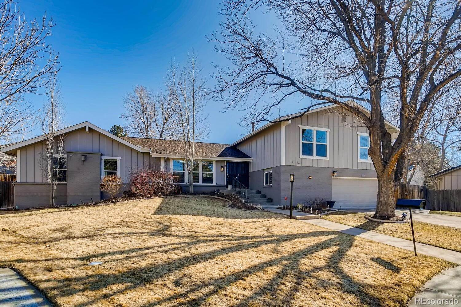 Single Family Homes pour l Vente à 5516 S Kenton Way Englewood, Colorado 80111 États-Unis