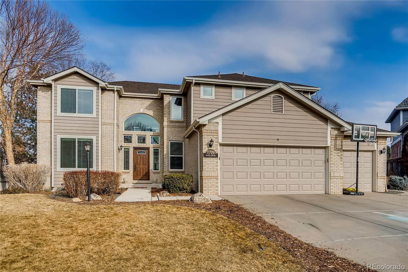 Single Family Homes pour l Vente à 11779 E Powers Avenue Englewood, Colorado 80111 États-Unis