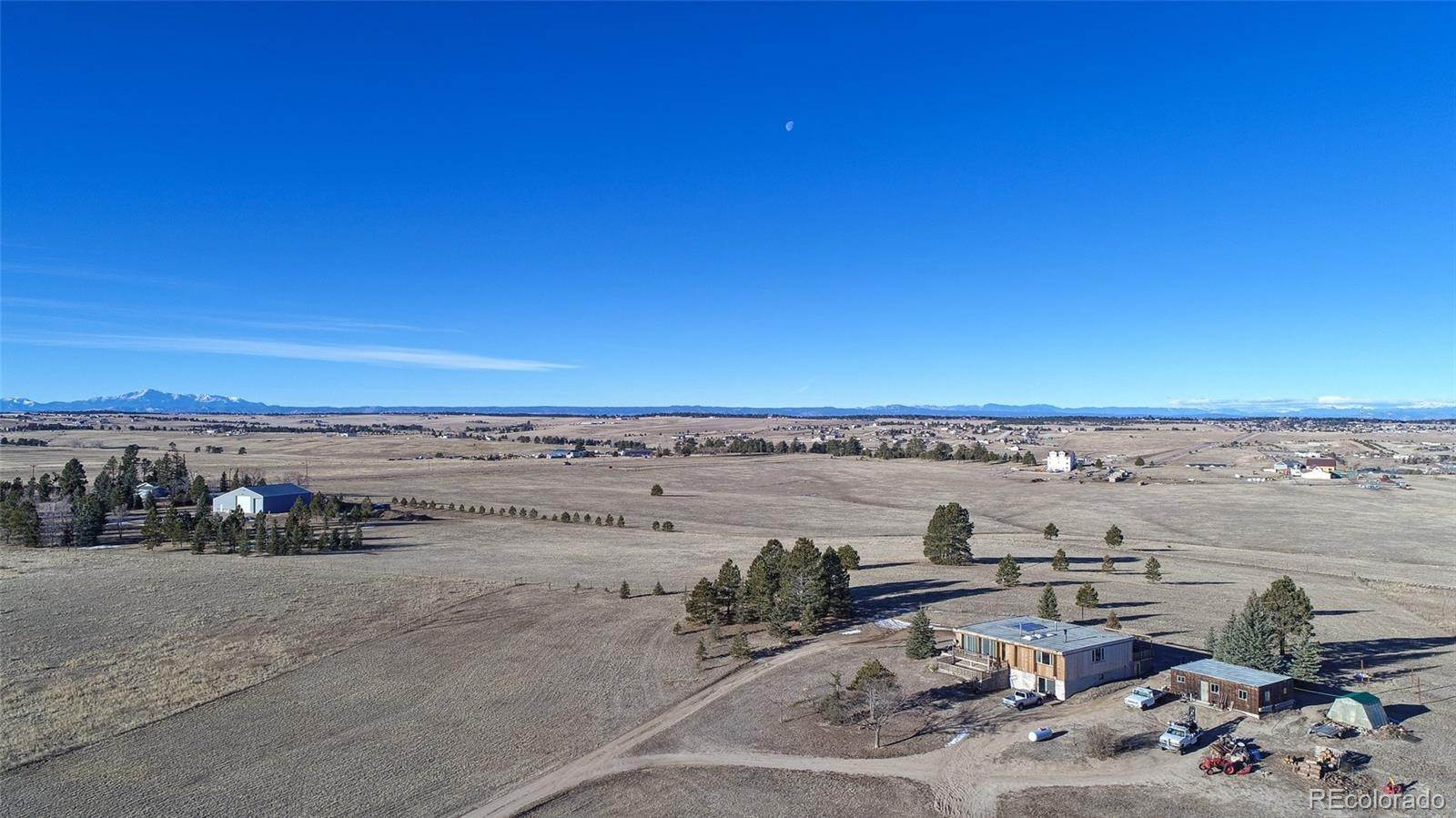 Single Family Homes 为 销售 在 33883 County Road 33 Kiowa, 科罗拉多州 80117 美国