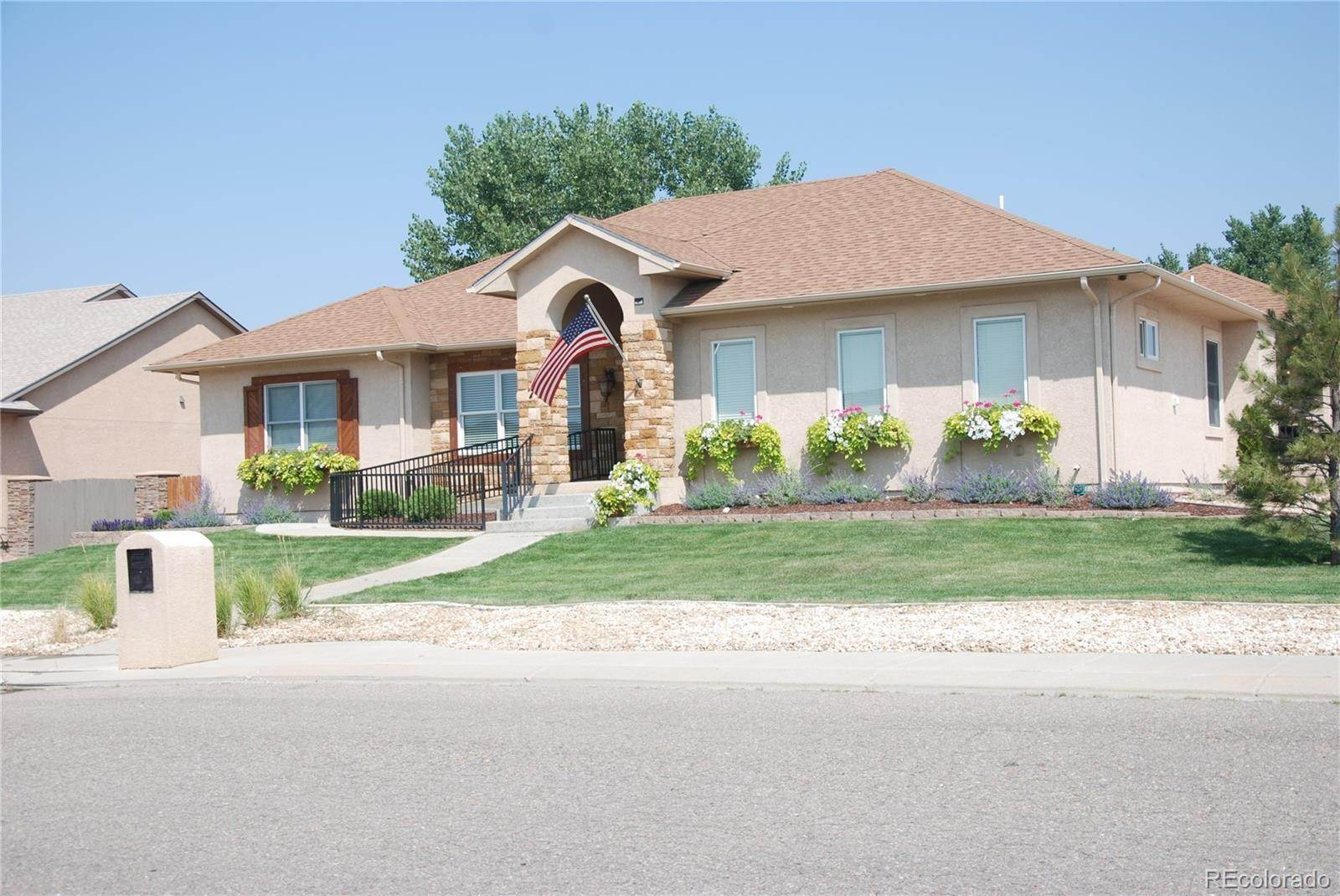 Single Family Homes por un Venta en 7 Erica Court Pueblo, Colorado 81001 Estados Unidos