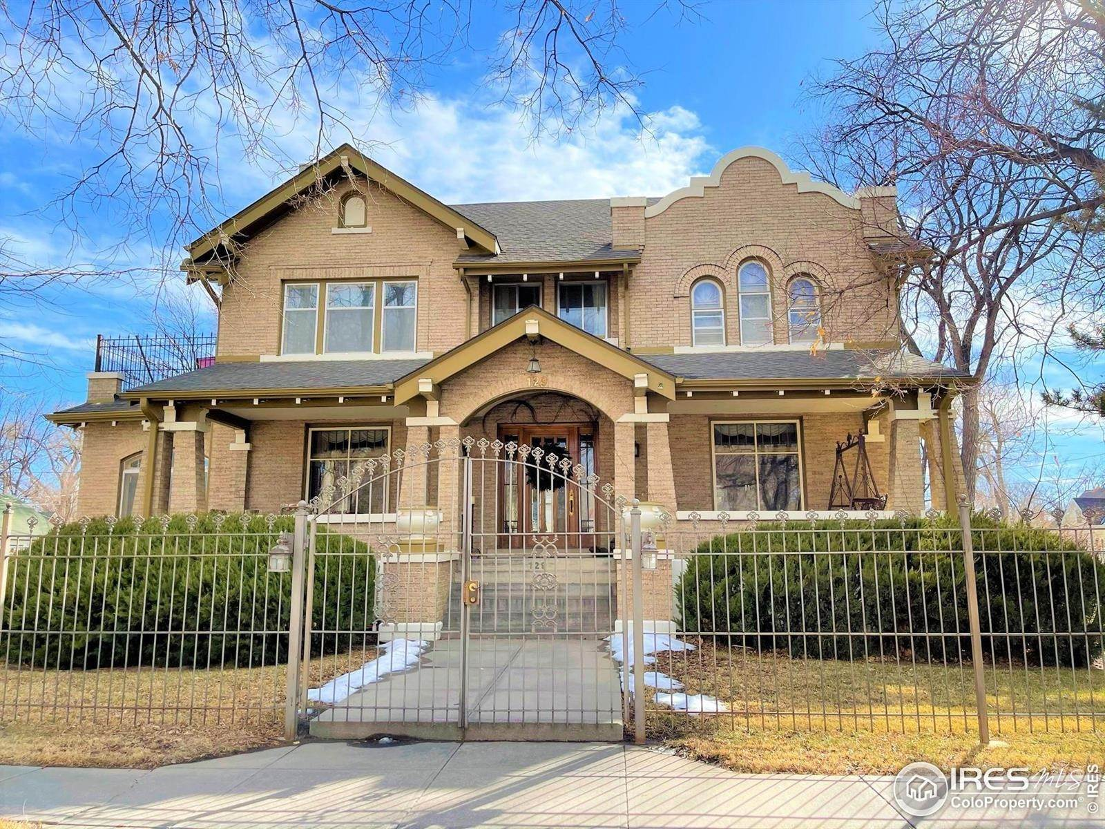 Single Family Homes 为 销售 在 129 Denver Street Sterling, 科罗拉多州 80751 美国