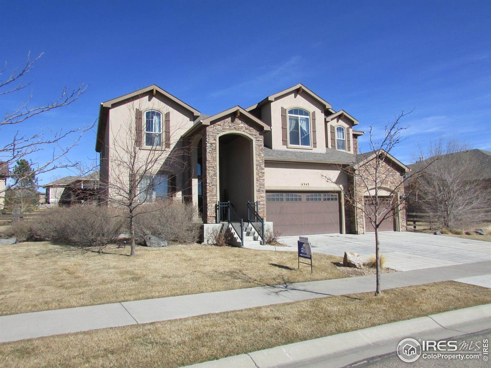 Single Family Homes pour l Vente à 4545 Angelica Drive Johnstown, Colorado 80534 États-Unis