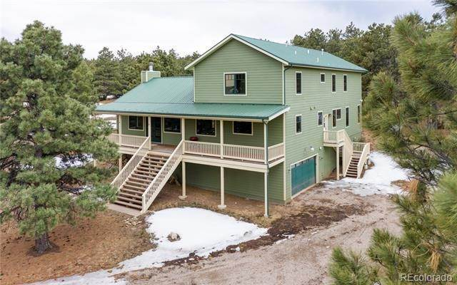 Single Family Homes pour l Vente à 8716 NATIONAL FOREST Drive Beulah, Colorado 81023 États-Unis