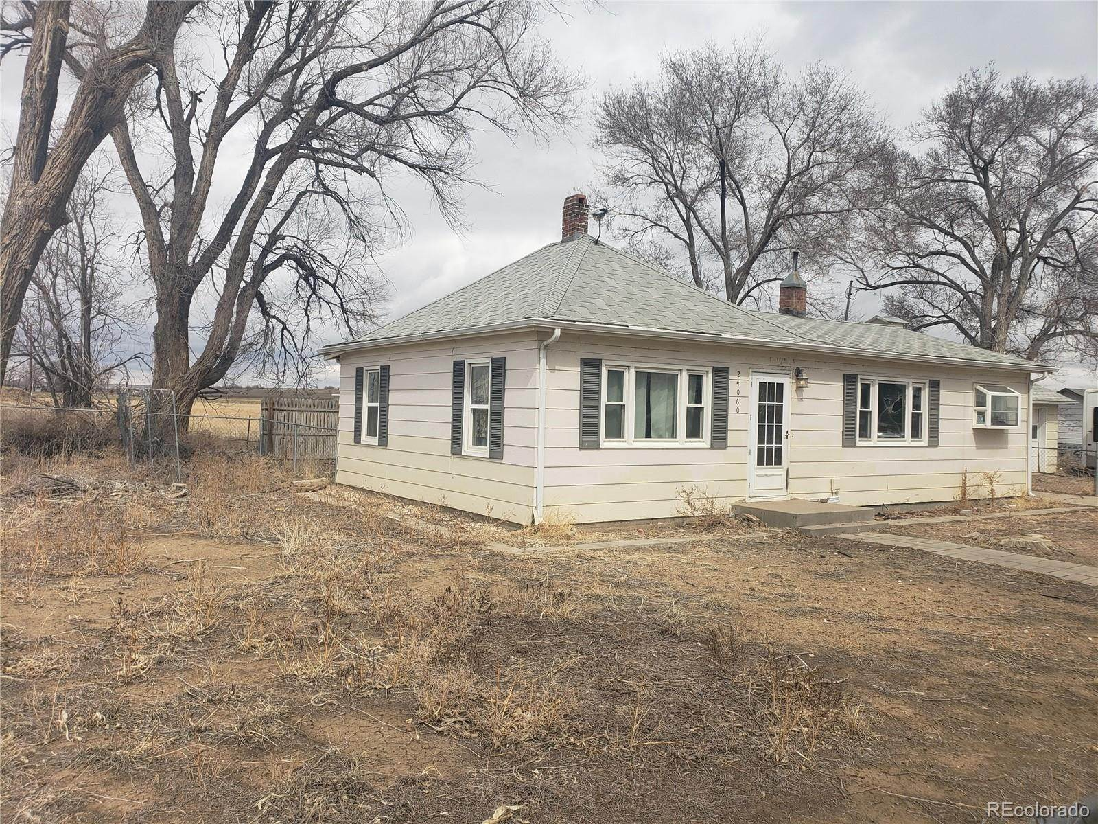 Single Family Homes for Sale at 24060 County Road 9.5 Weldona, Colorado 80653 United States