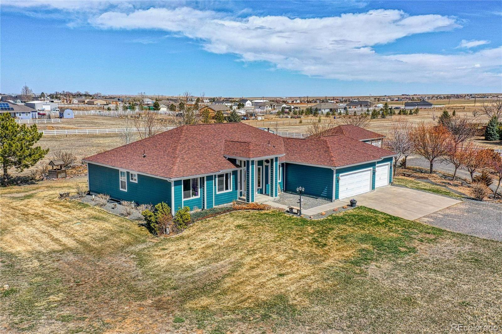 Single Family Homes por un Venta en 56605 E 35th Place Strasburg, Colorado 80136 Estados Unidos