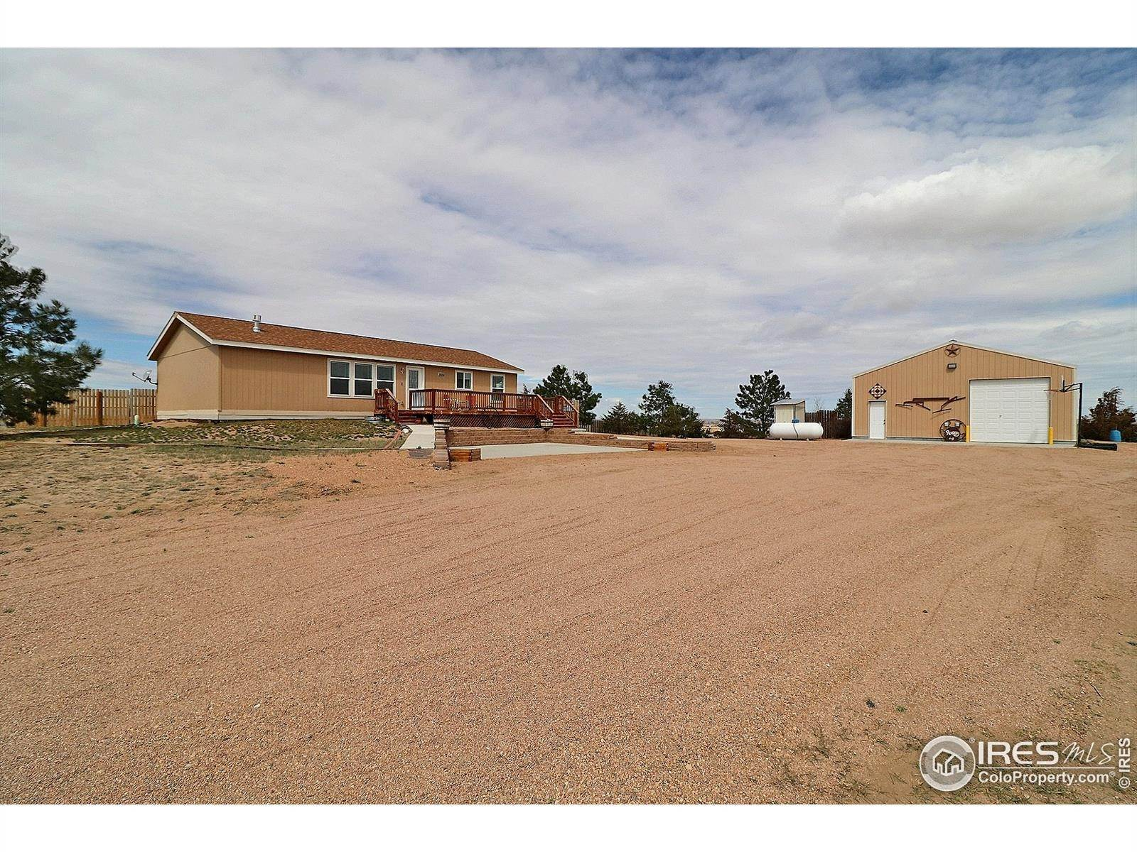 Single Family Homes pour l Vente à 31498 County Road 50 Kersey, Colorado 80644 États-Unis