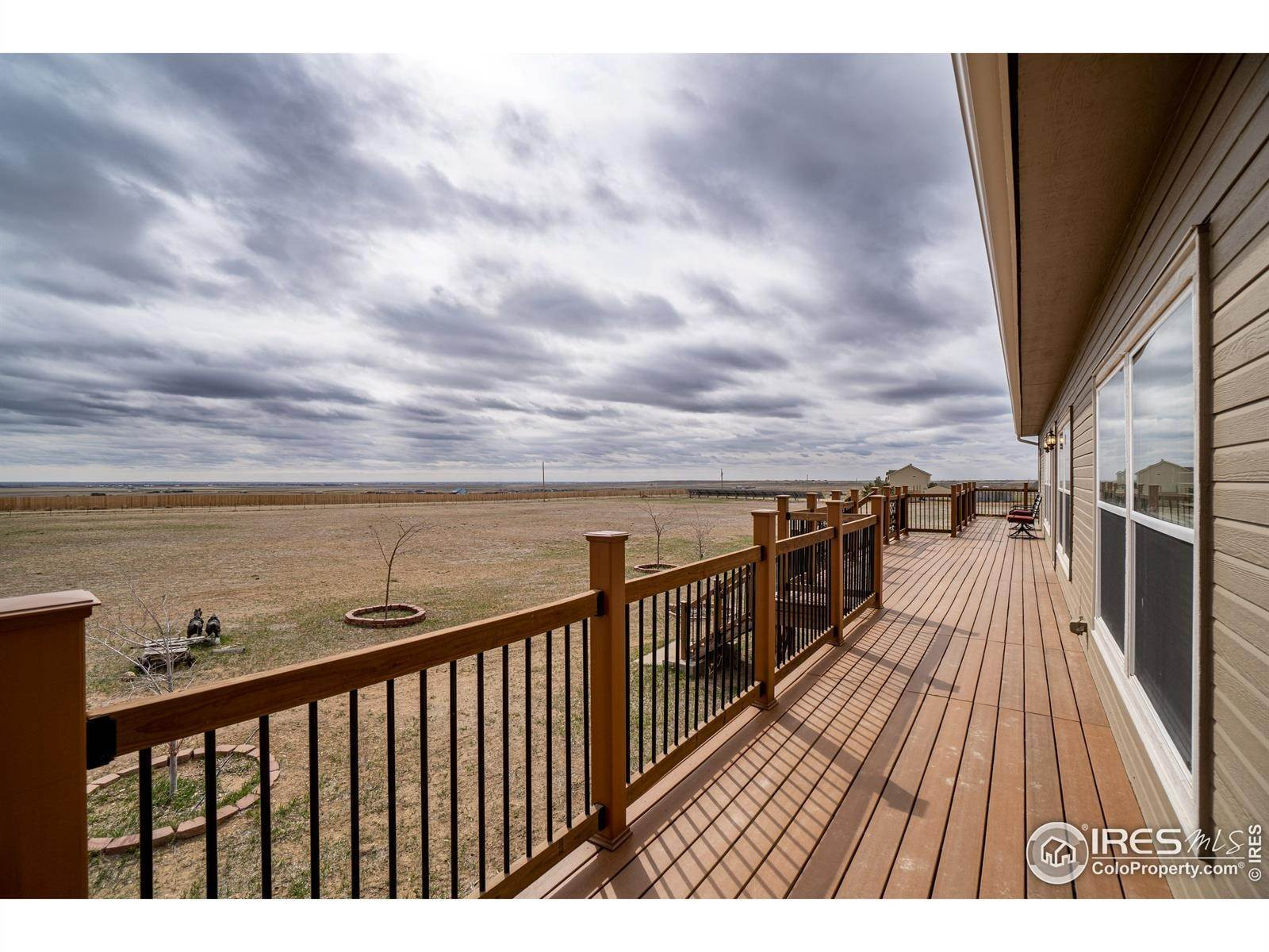 Single Family Homes pour l Vente à 50419 County Road 21 Nunn, Colorado 80648 États-Unis