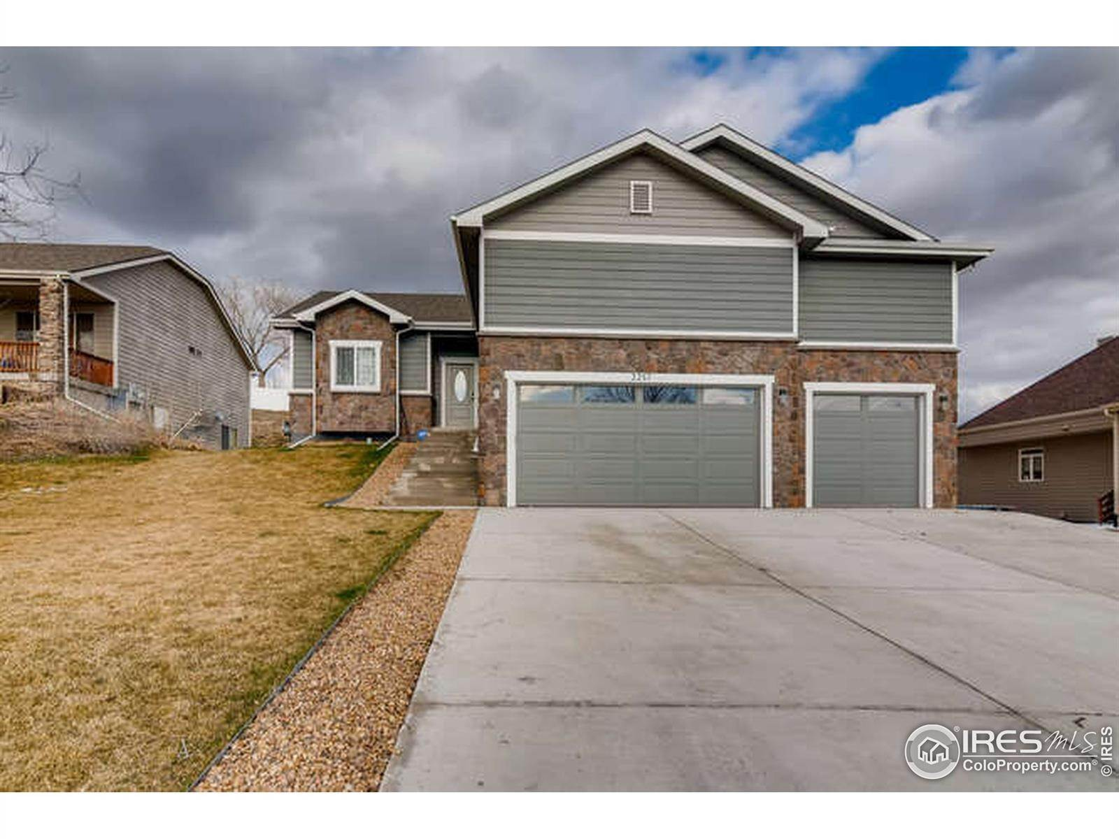 Single Family Homes pour l Vente à 2257 Birdie Drive Milliken, Colorado 80543 États-Unis