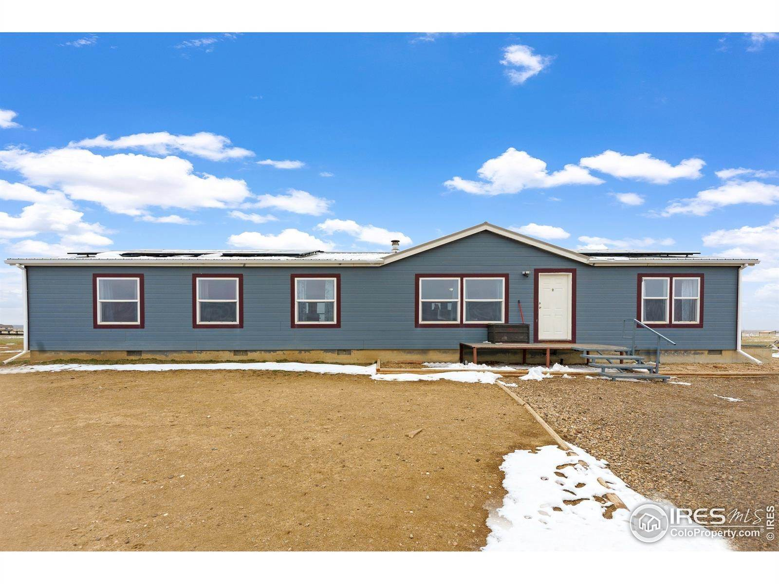 Single Family Homes pour l Vente à 8625 County Road 98 Nunn, Colorado 80648 États-Unis