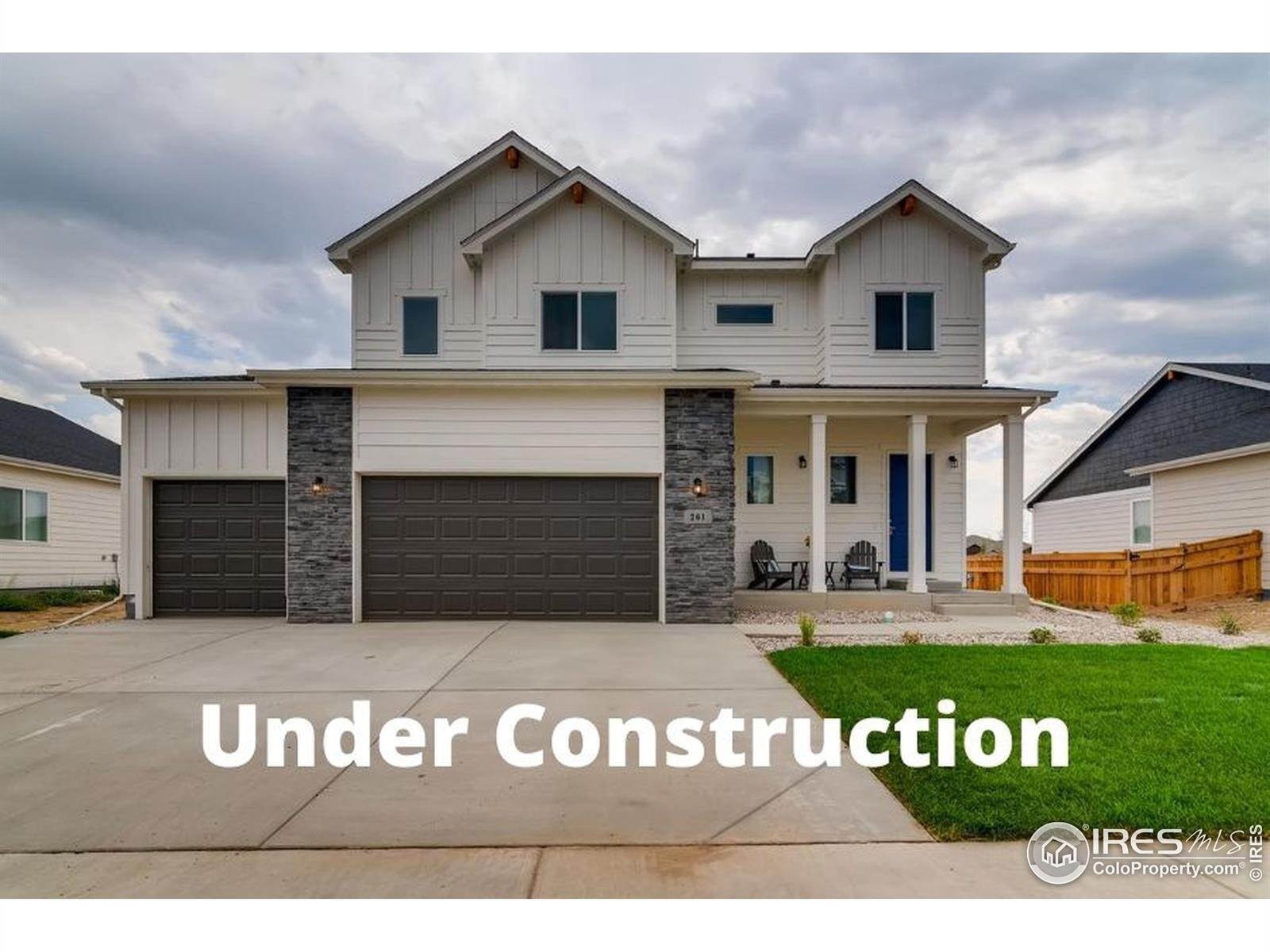 Single Family Homes pour l Vente à 1910 E Fox Glove Lane Milliken, Colorado 80543 États-Unis