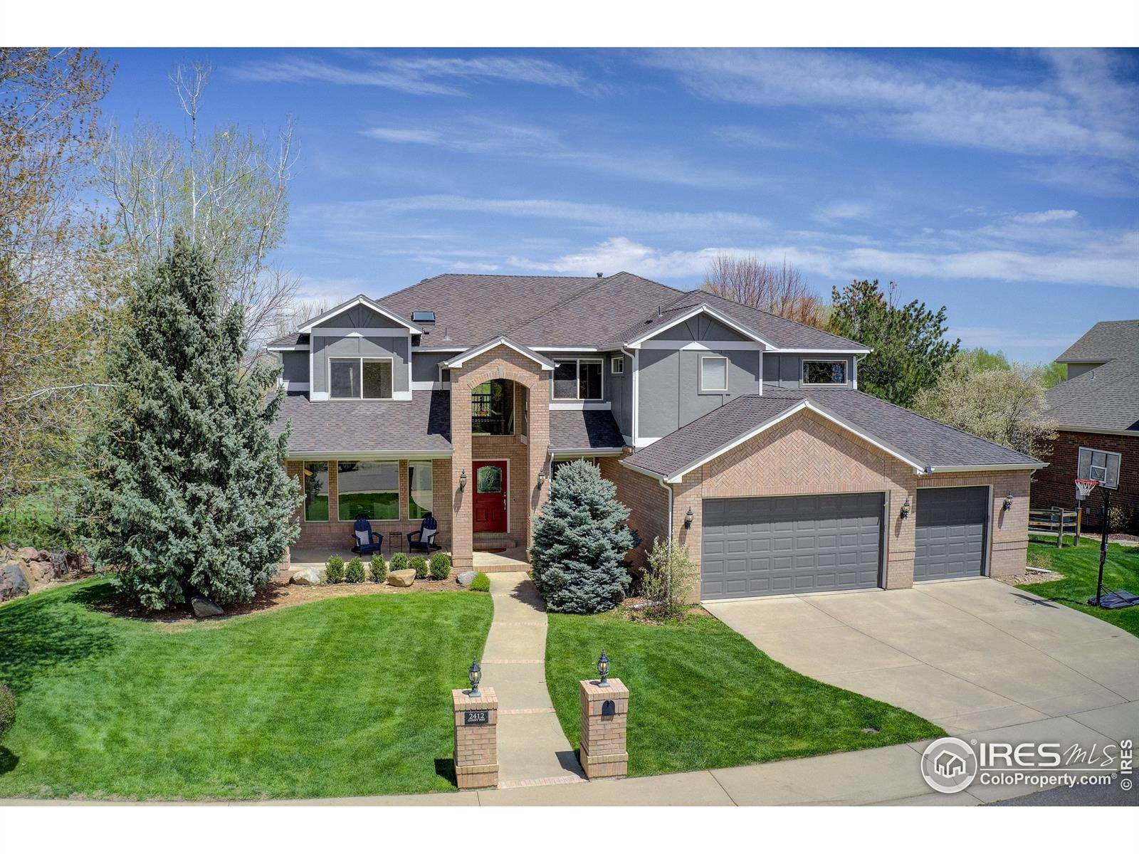 Single Family Homes por un Venta en 2412 Ginny Way Lafayette, Colorado 80026 Estados Unidos