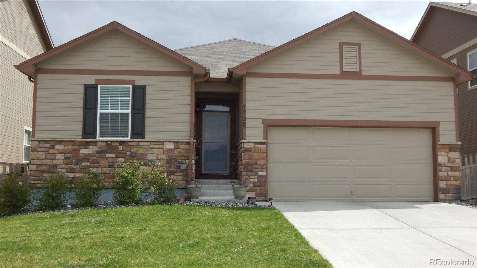 Single Family Homes por un Venta en 1730 Ruby Avenue Lochbuie, Colorado 80603 Estados Unidos