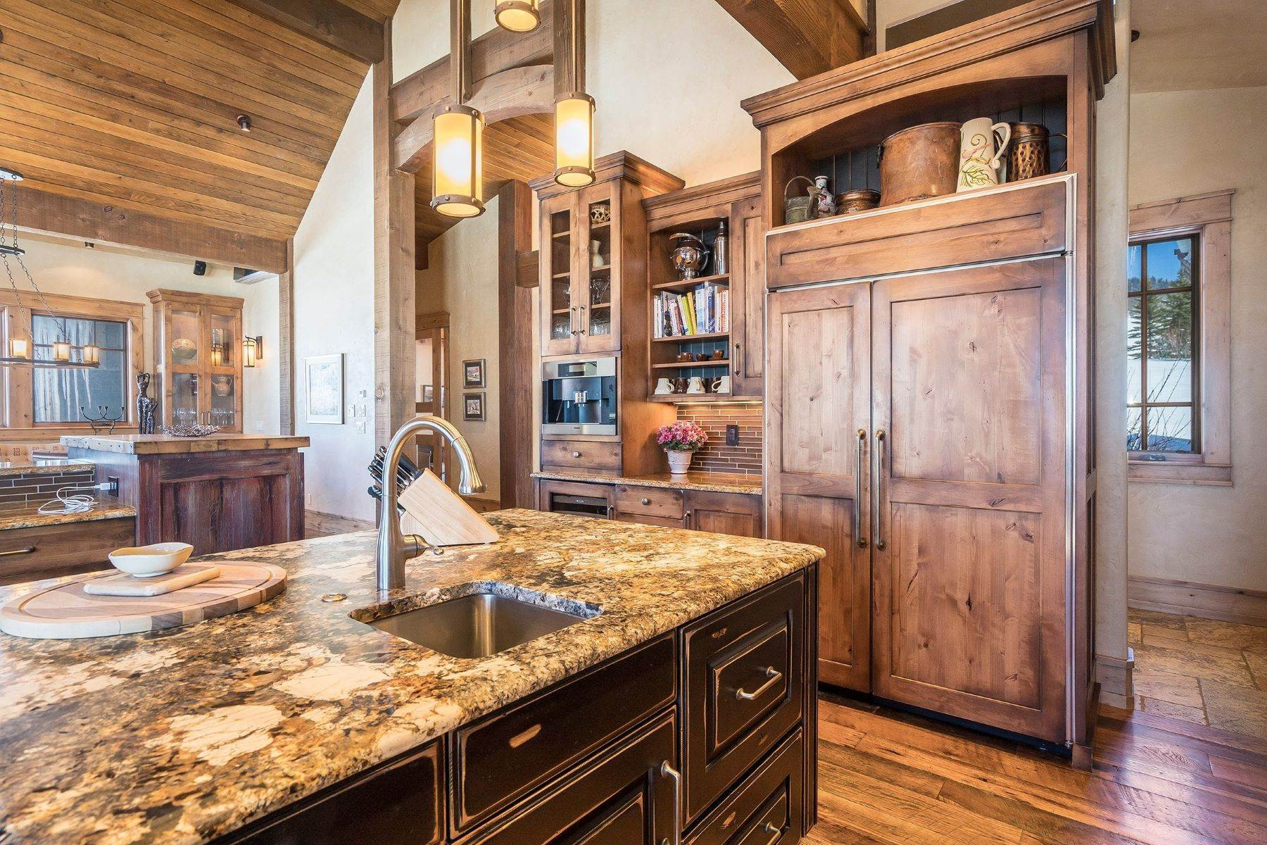 11. Single Family Homes for Sale at Beautiful Home at Catamount Ranch 33640 Catamount Drive Steamboat Springs, Colorado 80487 United States