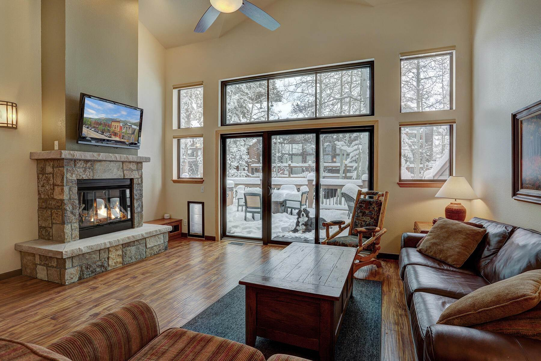 townhouses pour l Vente à Walk-to-Downtown-Breckenridge Townhome 120 Village Point Drive Breckenridge, Colorado 80424 États-Unis