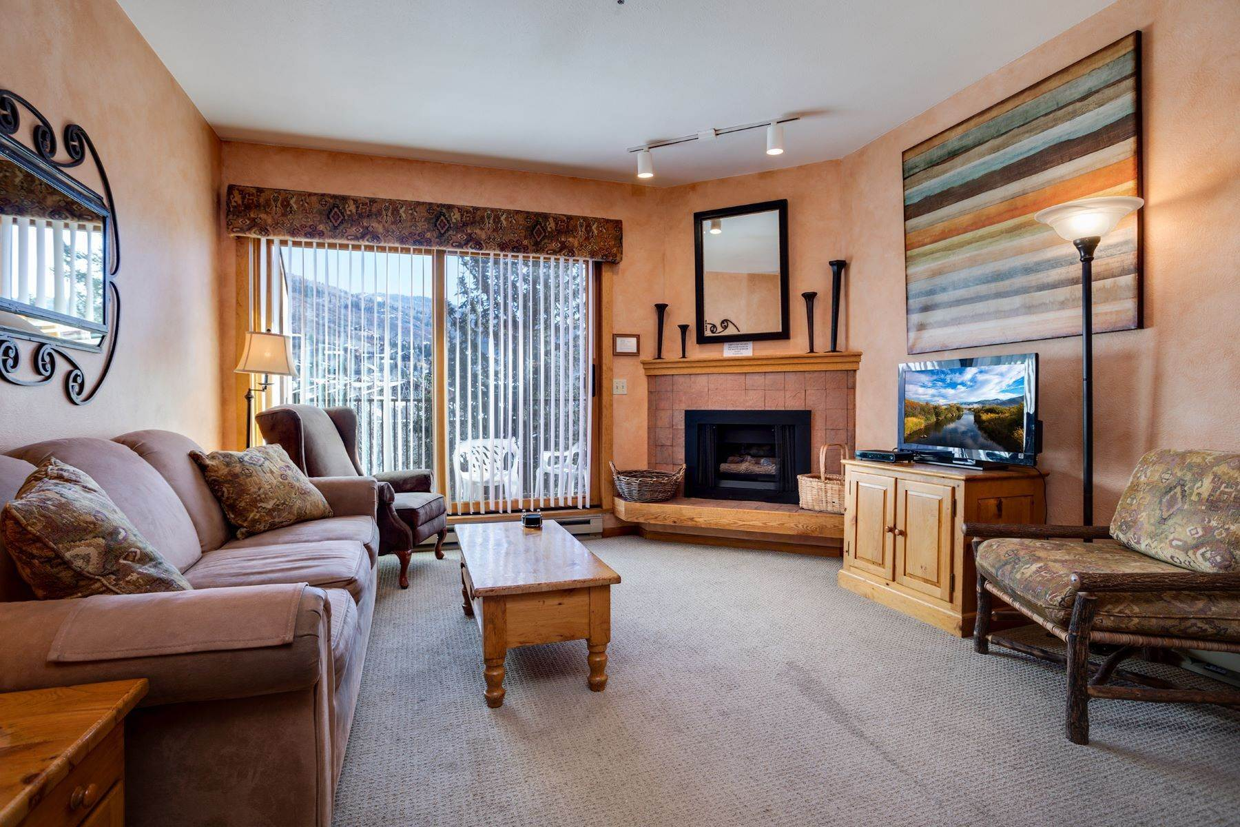 Condominiums for Sale at Snow Flower Condominium 2200 Apres Ski Way #302 Steamboat Springs, Colorado 80487 United States