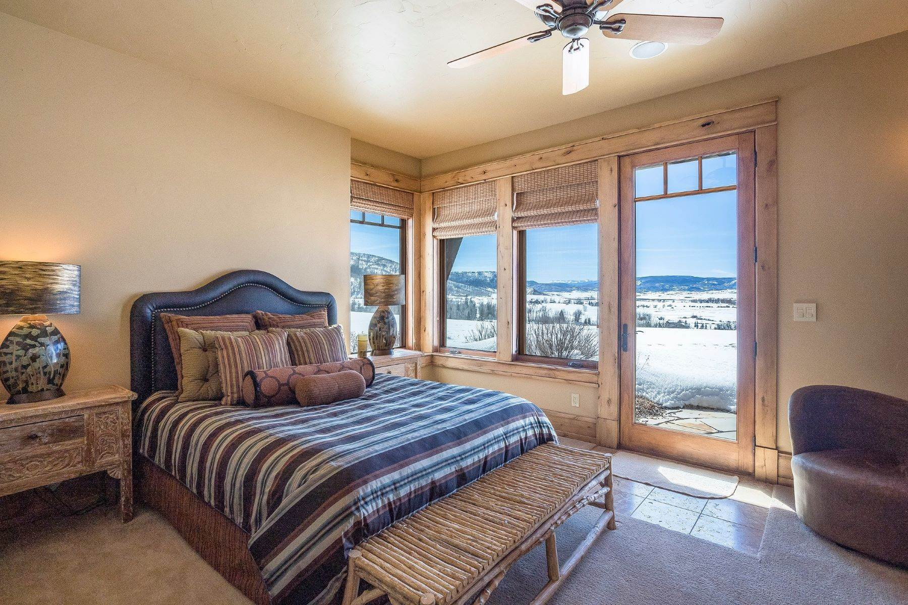 31. Single Family Homes for Sale at Beautiful Home at Catamount Ranch 33640 Catamount Drive Steamboat Springs, Colorado 80487 United States