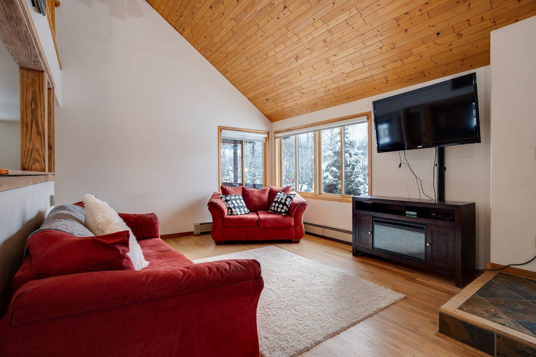 5. Single Family Homes for Sale at Ideal Steamboat Home 74 E Maple Street Steamboat Springs, Colorado 80487 United States