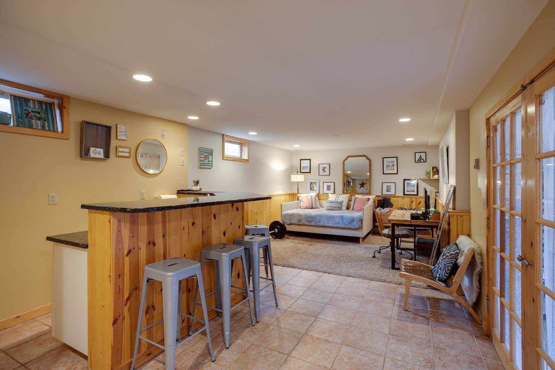 19. Single Family Homes for Sale at Ideal Steamboat Home 74 E Maple Street Steamboat Springs, Colorado 80487 United States