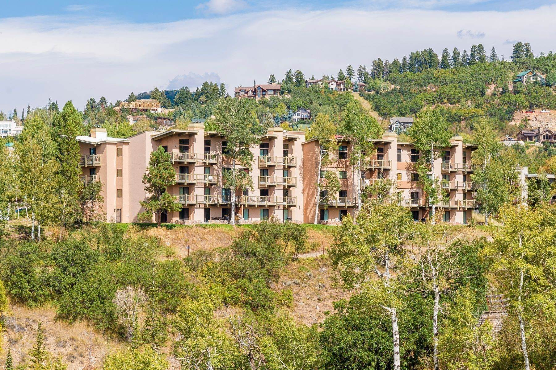 Condominiums por un Venta en Ski-In/Ski-Out at Storm Meadows 2375 Storm Meadows Drive #417 Steamboat Springs, Colorado 80487 Estados Unidos