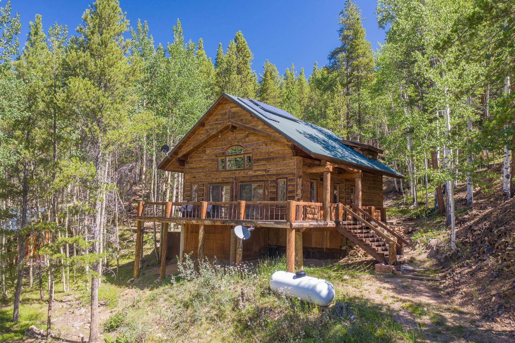 Single Family Homes pour l Vente à Custom, Off-Grid Property 6100 County Road 763 Gunnison, Colorado 81230 États-Unis