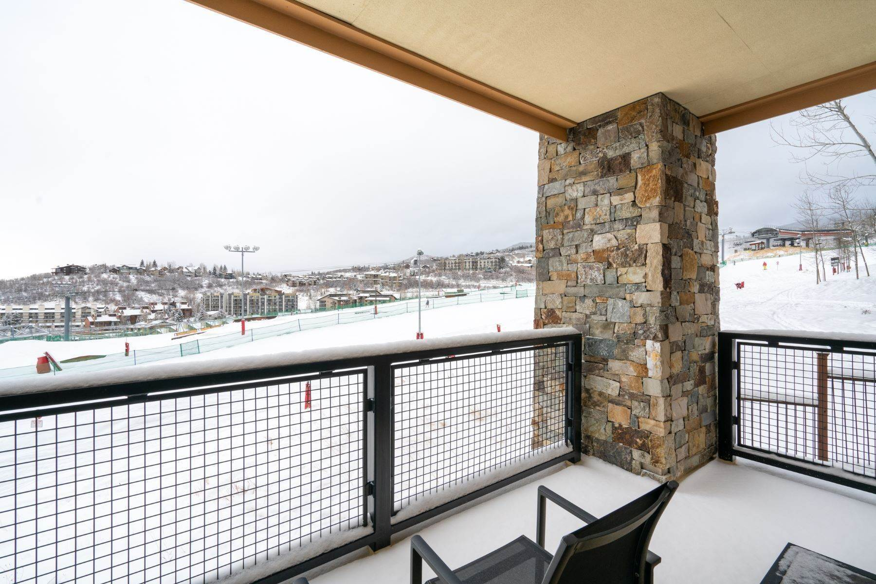 18. Condominiums for Sale at Slopeside Luxury at Edgemont 2410 Ski Trail Lane Unit #2407 Steamboat Springs, Colorado 80487 United States