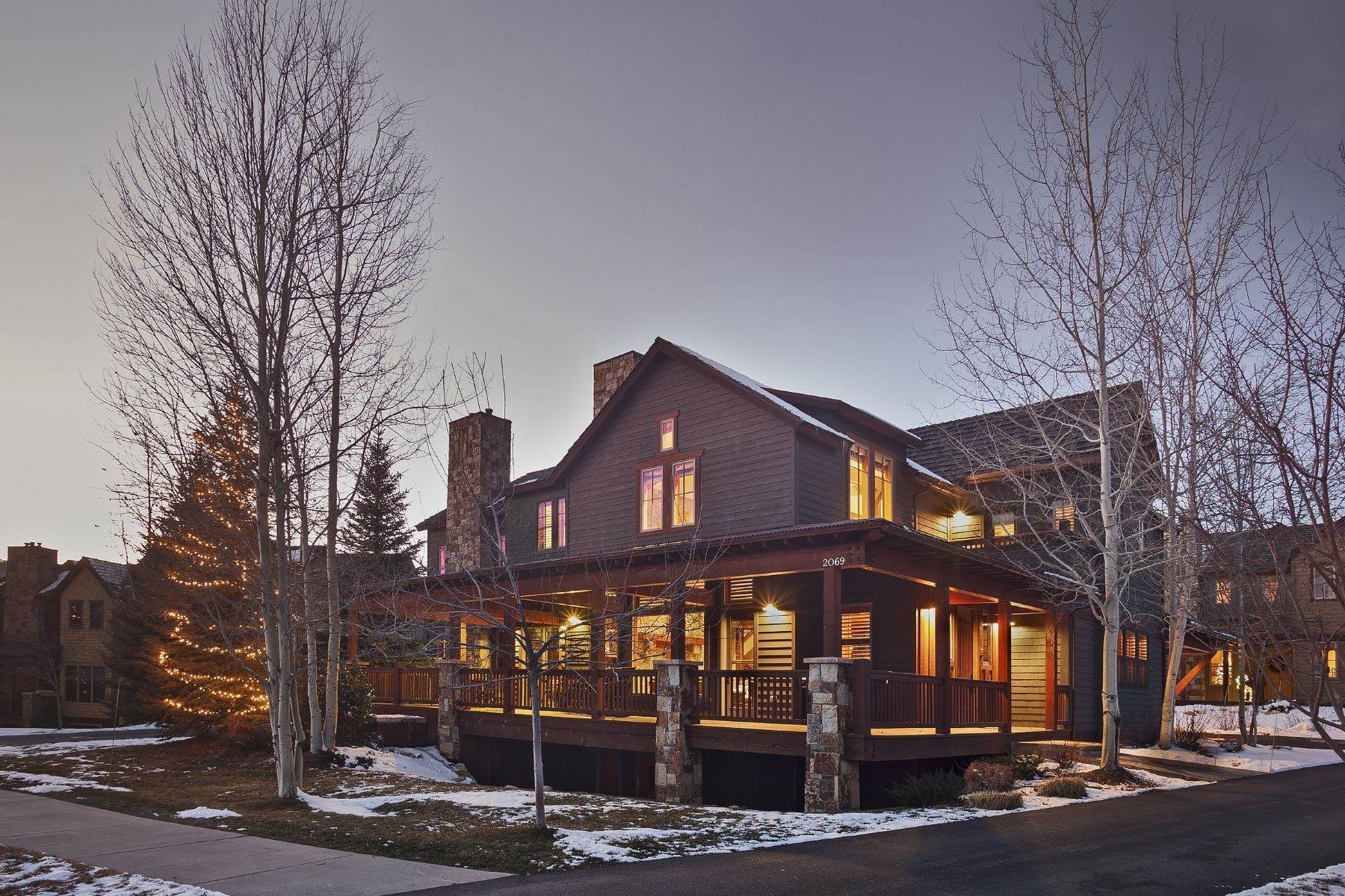 townhouses pour l Vente à Porches Luxury Home 2069 Indian Summer Dr Steamboat Springs, Colorado 80487 États-Unis