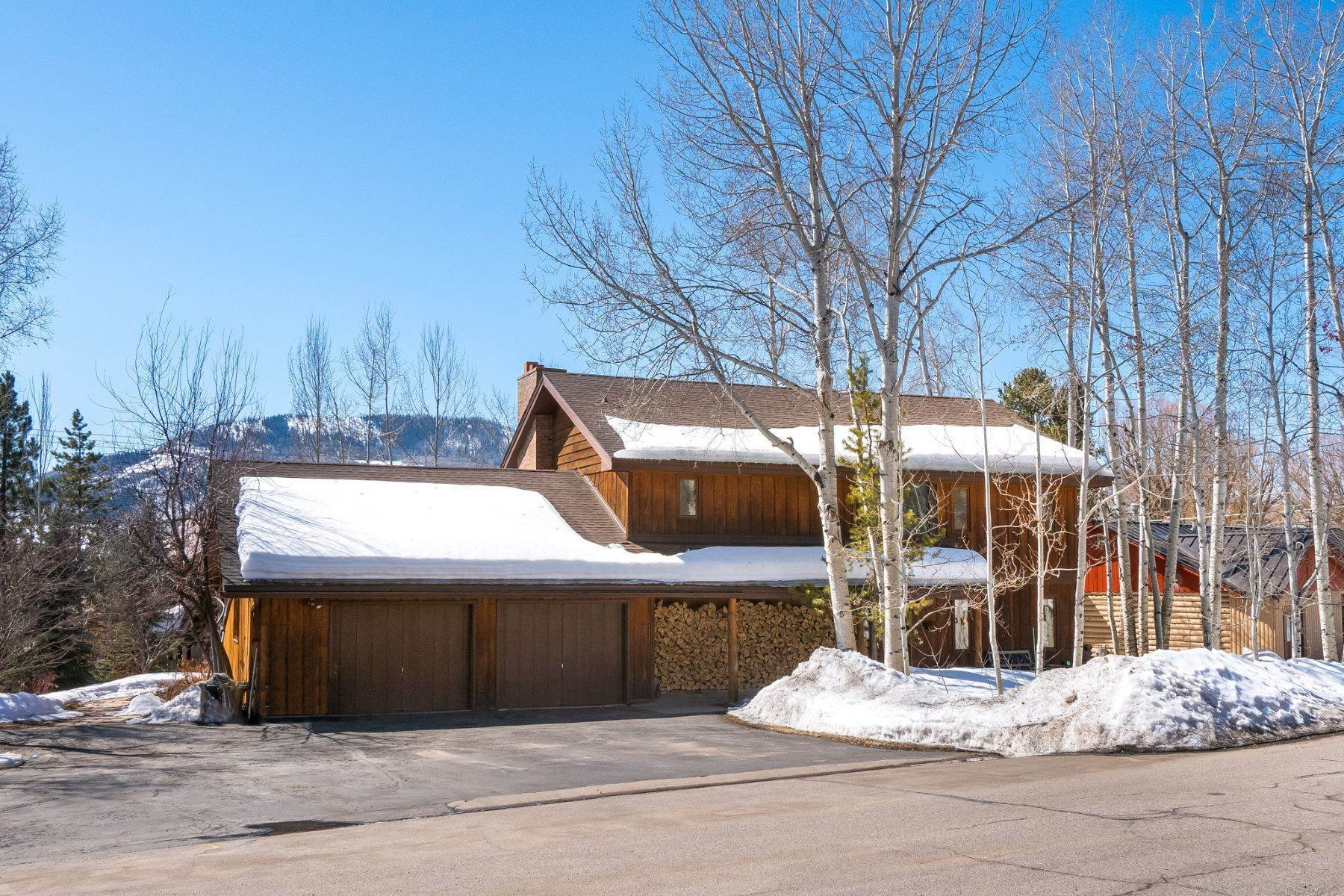 Single Family Homes for Sale at Old Town Charm 817 Merritt Street Steamboat Springs, Colorado 80487 United States