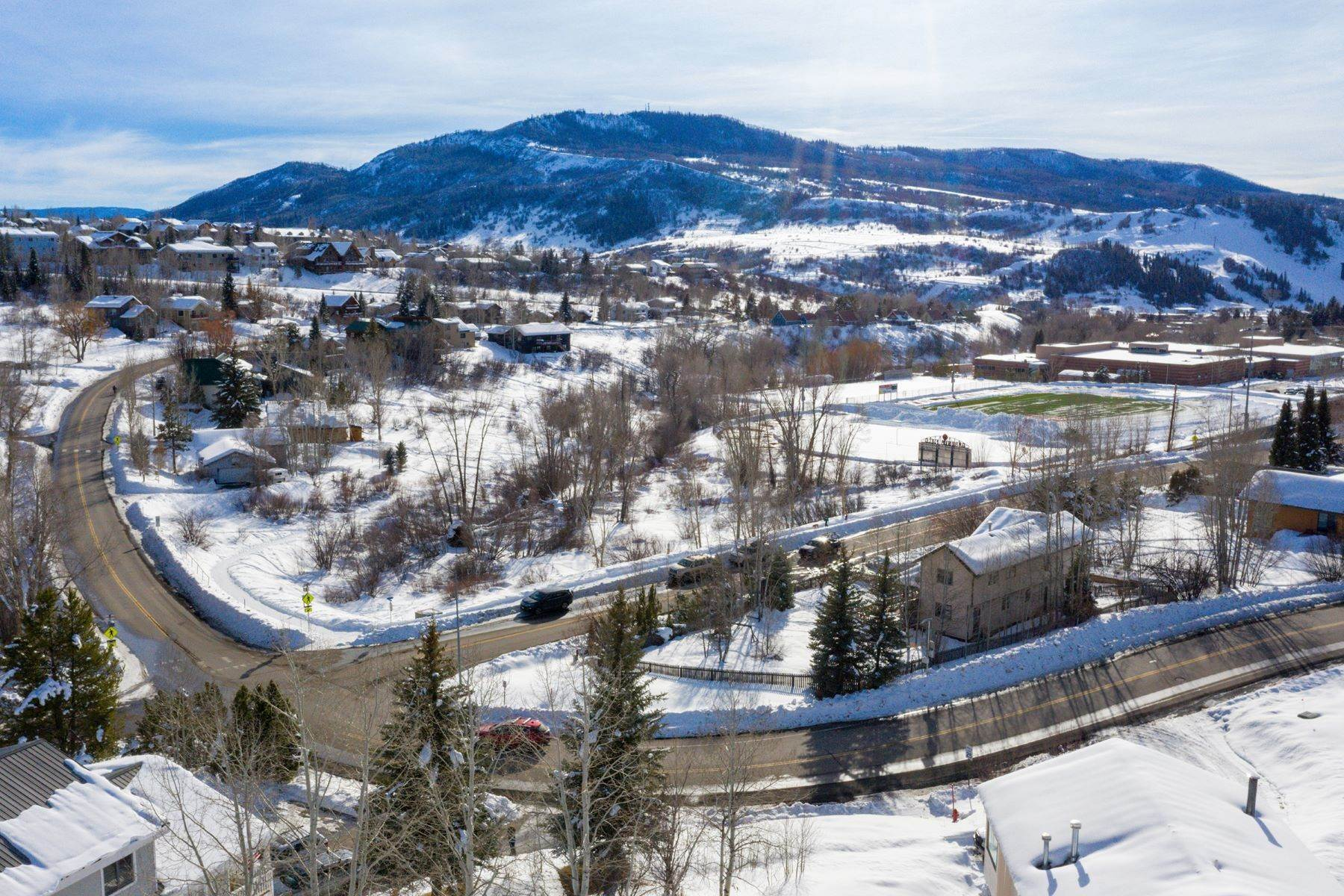 27. Single Family Homes for Sale at Ideal Steamboat Home 74 E Maple Street Steamboat Springs, Colorado 80487 United States