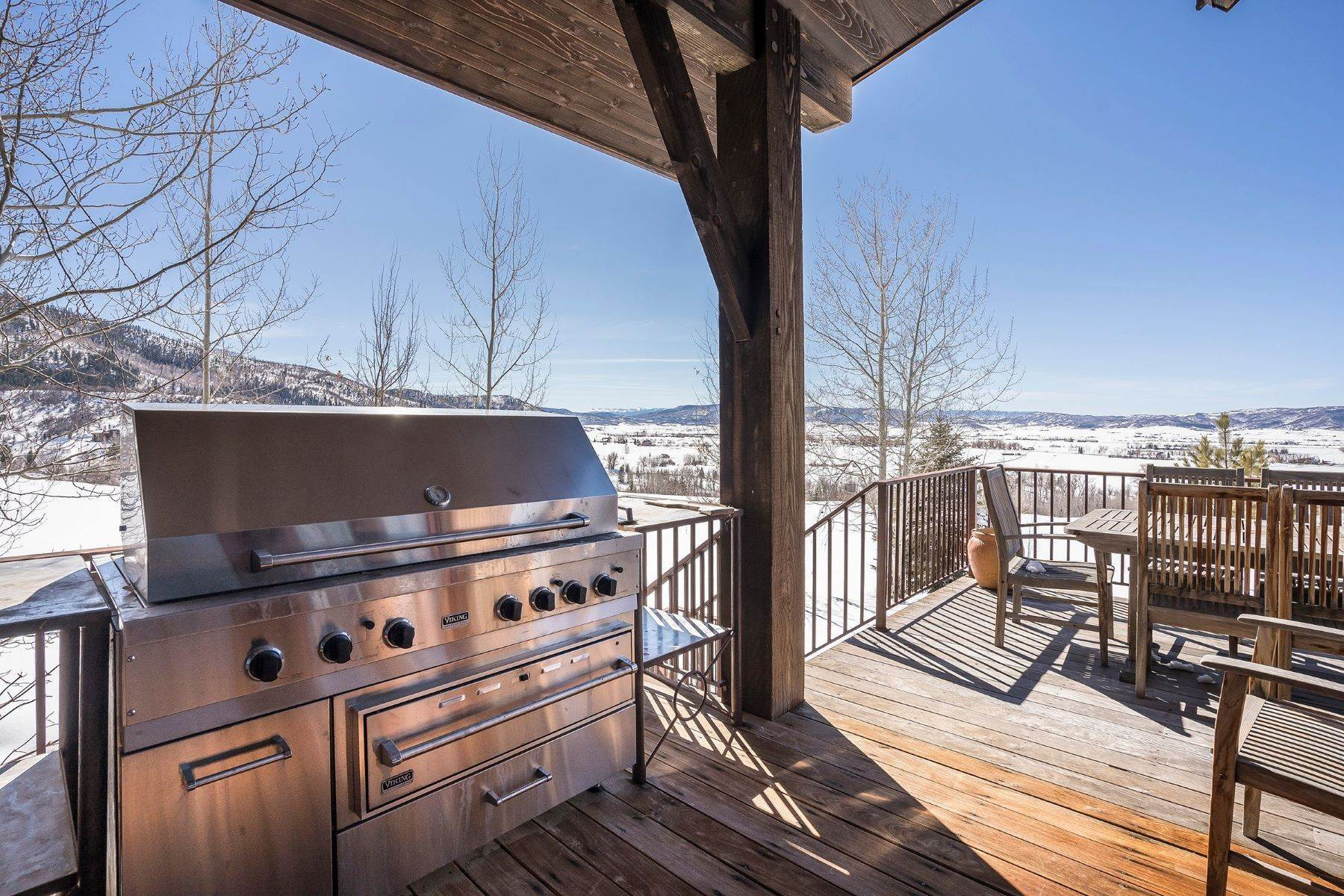 38. Single Family Homes for Sale at Beautiful Home at Catamount Ranch 33640 Catamount Drive Steamboat Springs, Colorado 80487 United States