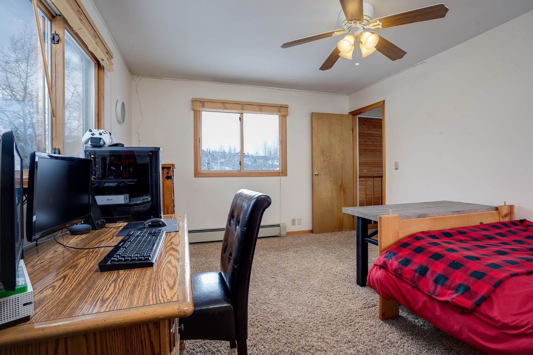 16. Single Family Homes for Sale at Ideal Steamboat Home 74 E Maple Street Steamboat Springs, Colorado 80487 United States
