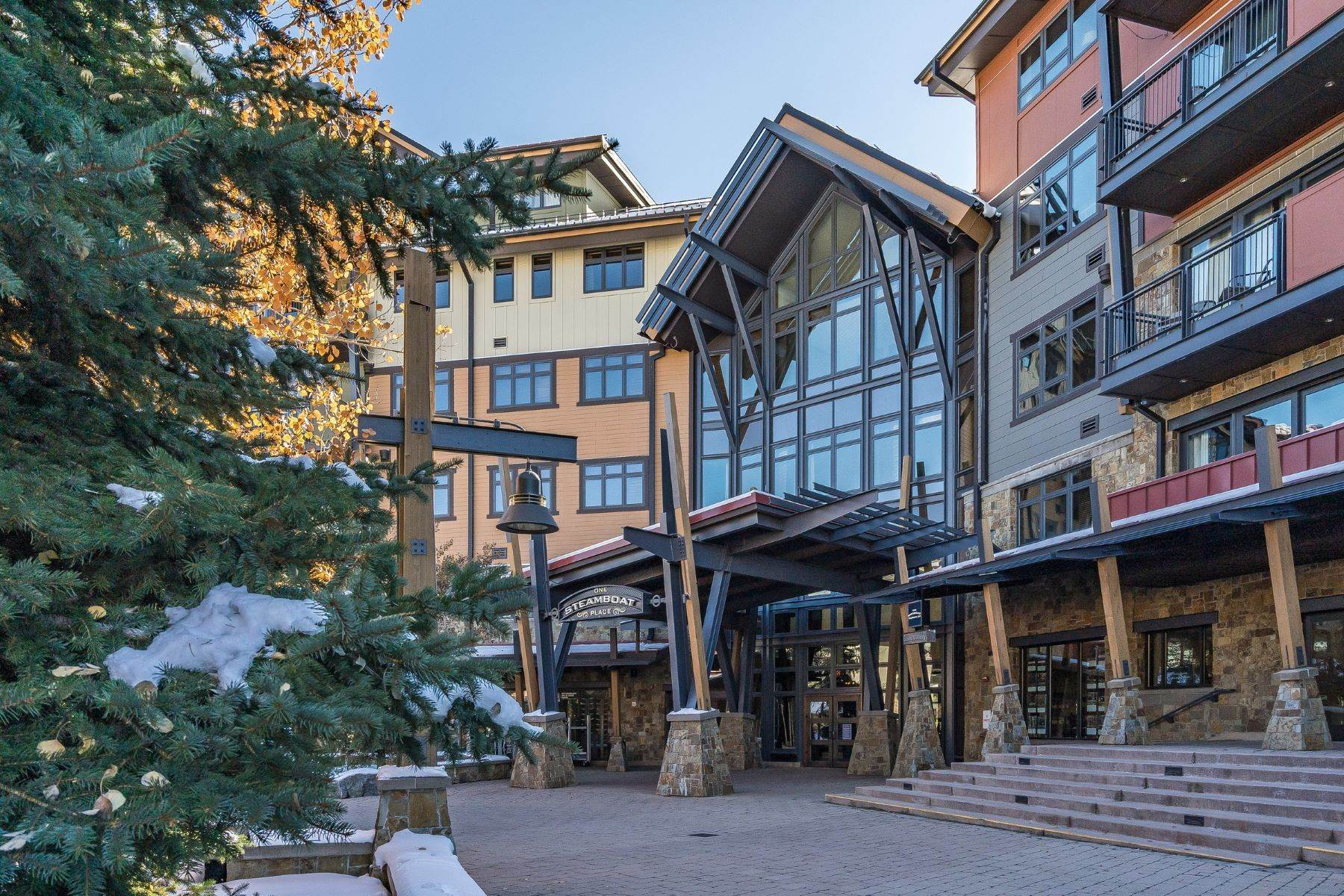 Condominiums por un Venta en Ski-in/out at One Steamboat Place 2250 Apres Ski Way Unit #R613 Steamboat Springs, Colorado 80487 Estados Unidos
