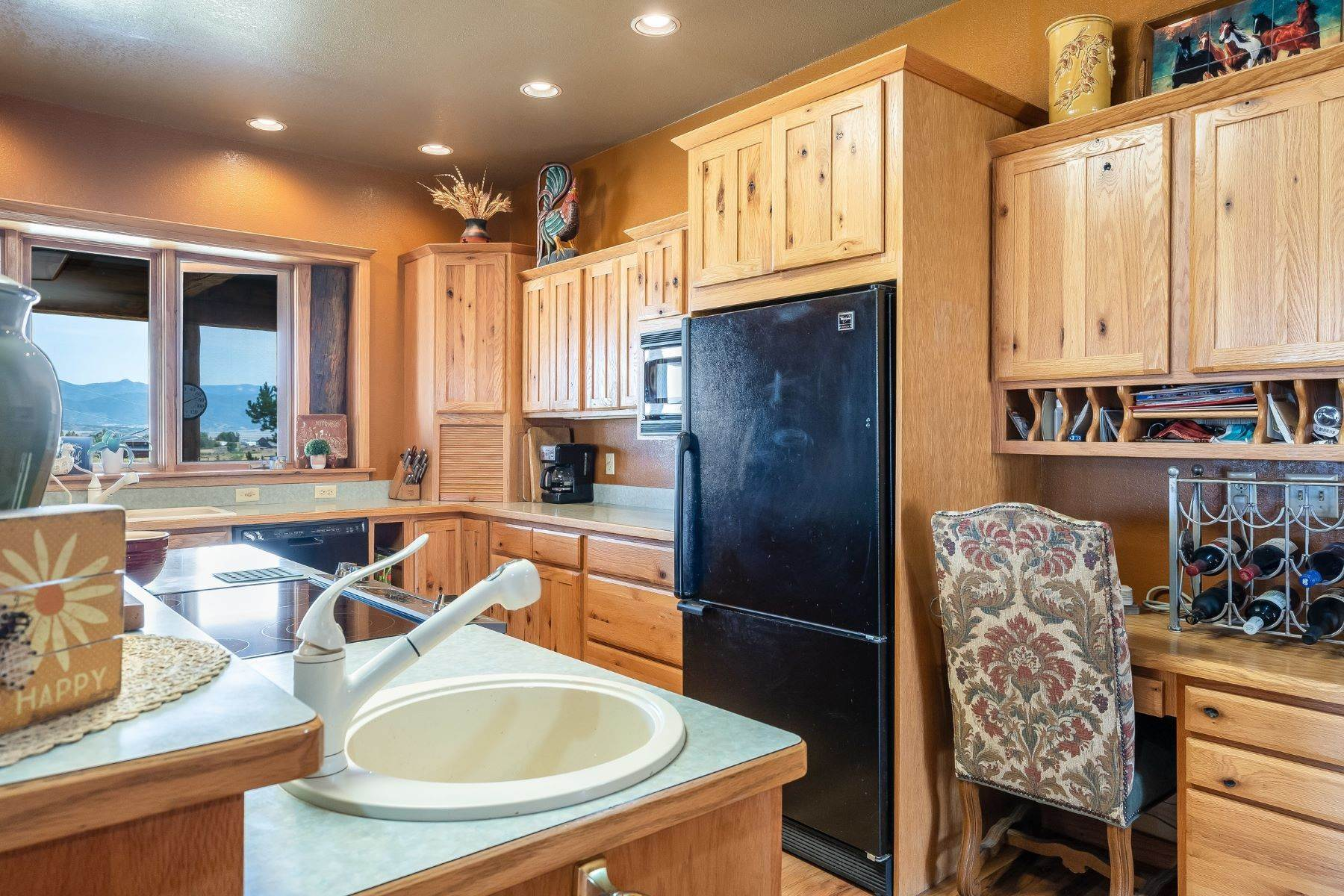 18. Single Family Homes for Sale at 38615 Klein Road Steamboat Springs, Colorado 80487 United States