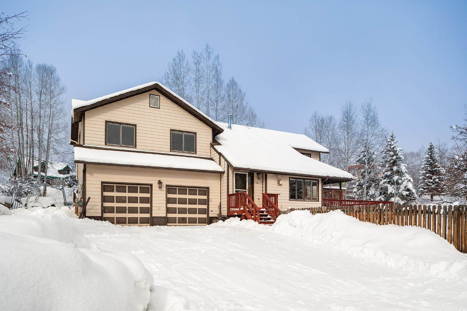 29. Single Family Homes for Sale at Ideal Steamboat Home 74 E Maple Street Steamboat Springs, Colorado 80487 United States