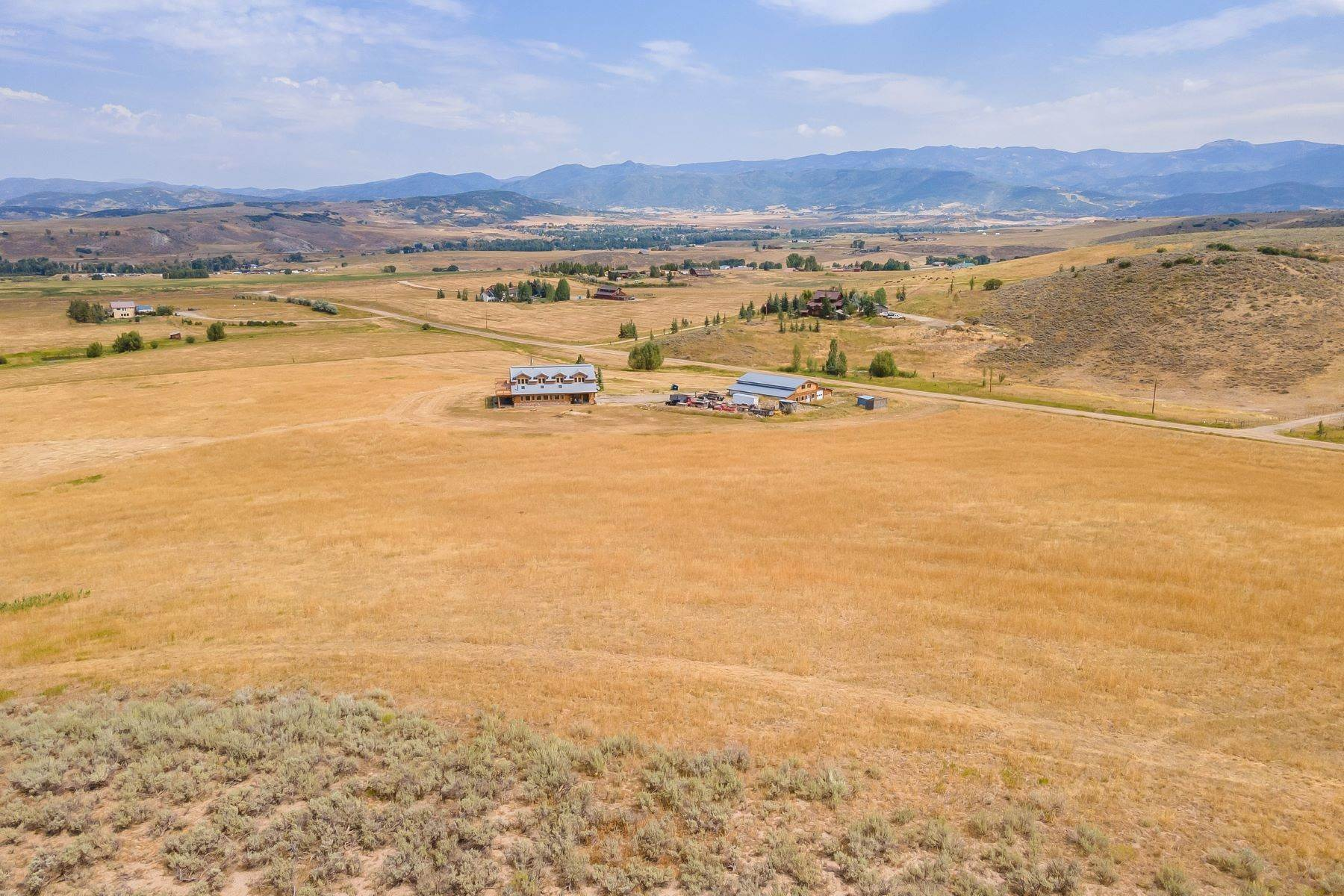 4. Single Family Homes for Sale at 38615 Klein Road Steamboat Springs, Colorado 80487 United States